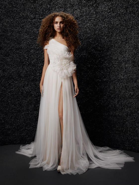 parte delantera vestido novia corte en a brigitte