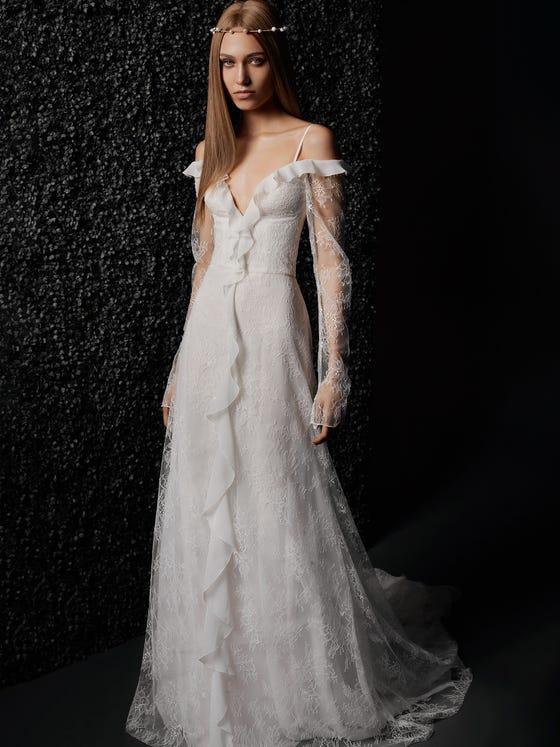 parte delantera vestido novia recto encaje escote pico manga larga camille