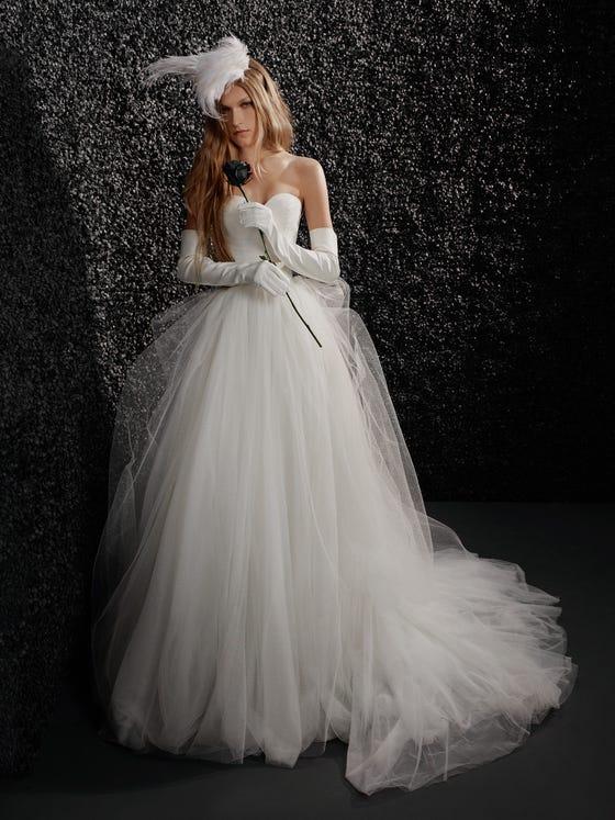 parte delantera vestido novia princesa mikado espalda descubierta palabra honor claudine