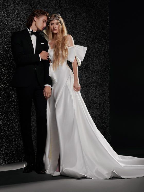 parte delantera vestido novia princesa espalda descubierta palabra honor estee