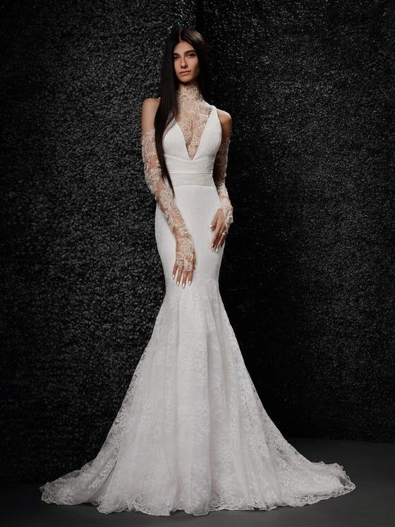 parte delantera vestido novia encaje corte sirena escote pico manga larga frania
