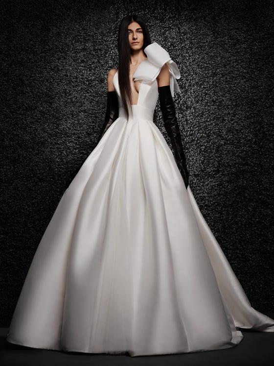 parte delantera vestido novia princesa escote pico mikado margot