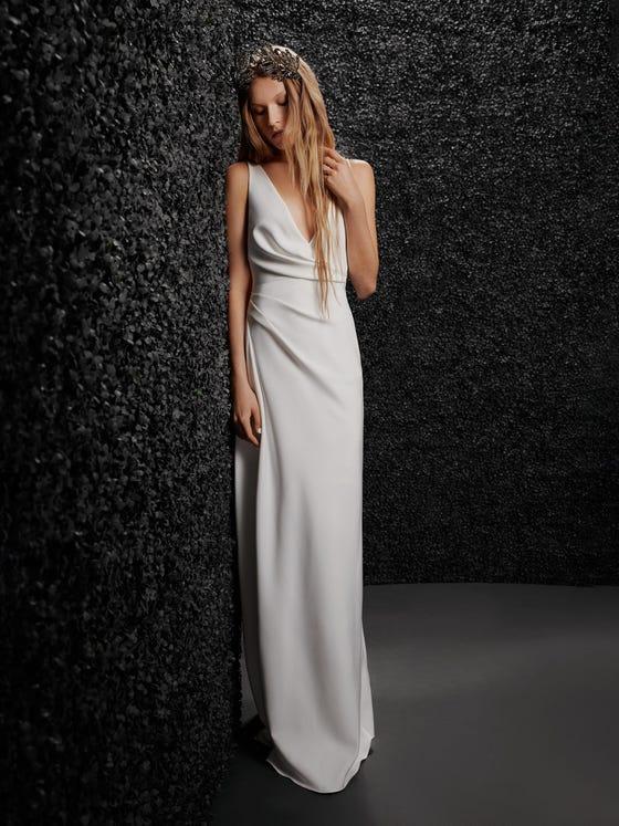 parte delantera vestido novia recto escote pico crepe rachel