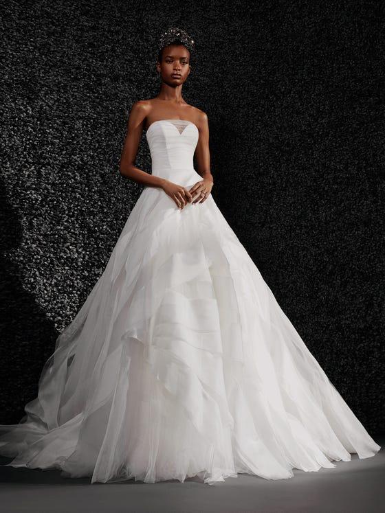 parte delantera vestido novia princesa palabra honor espalda descubierta yvette